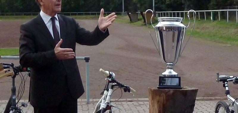 Neuer Pokal für die Ü40 Alt Herren Kreismeisterschaft