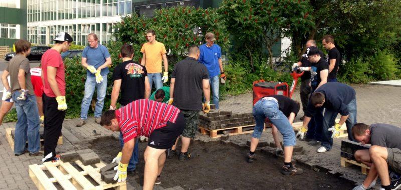 Erneut Pflasterstein Aktion für das Sportplatzprojekt!