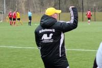 Trainer Freddy Quebbemann freut sich über den Heimsieg
