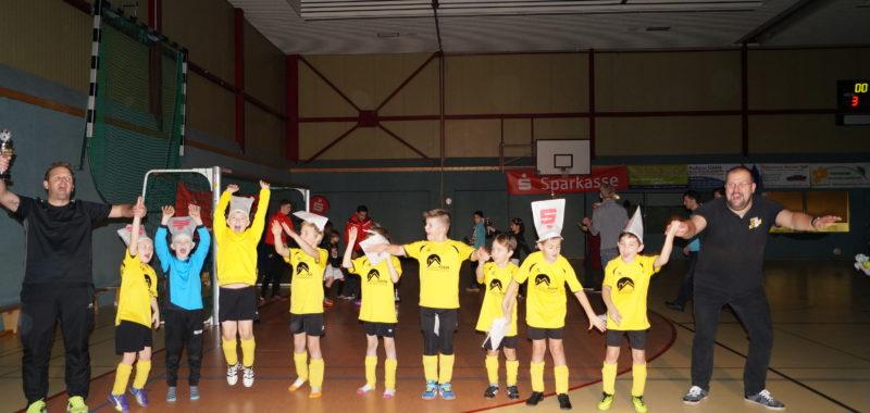 F-Jugend spielt starke Endrunde des Sparkassen Cups